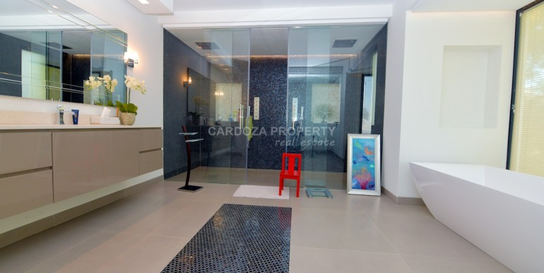 https://cardozaproperty.com/wp-content/uploads/2020/01/850_3297.jpg