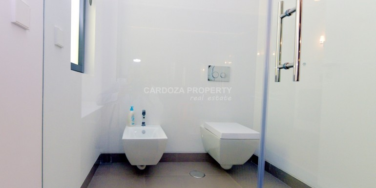 https://cardozaproperty.com/wp-content/uploads/2020/01/850_3304.jpg