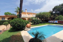 Detached villa walking distance Puerto Banus